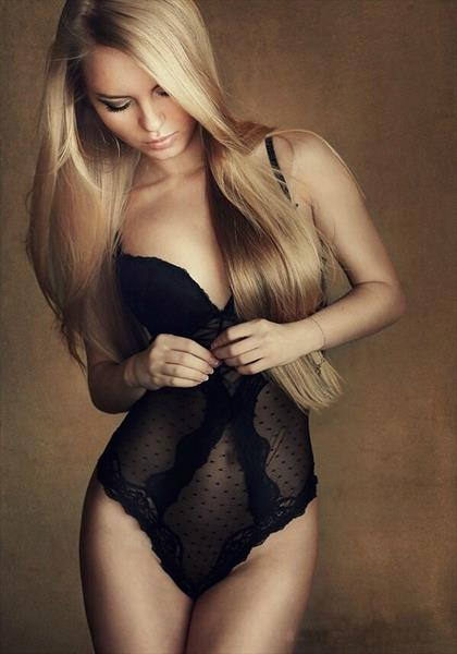Independent travelling escorts